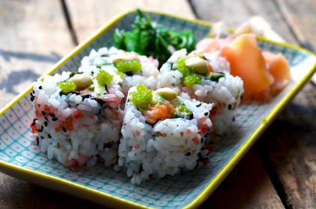 spicy-salmon-sushi